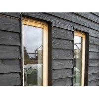 BARN01 175mm wide black painted barn lap (feather edge)